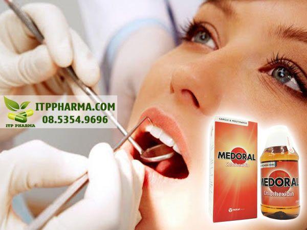 Thuốc súc miệng Medoral được nhiều người tin dùng
