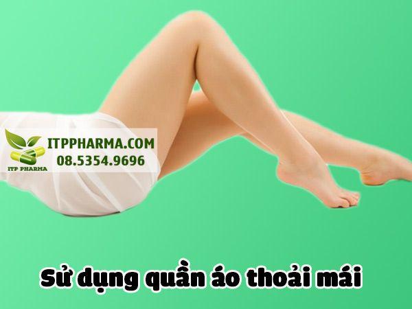 Sử dụng quần áo thoải mái giúp giảm mùi vùng kín
