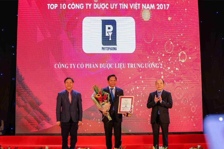 Phytopharma được vinh danh trong top 10 Công ty Dược uy tín Việt Nam 2017