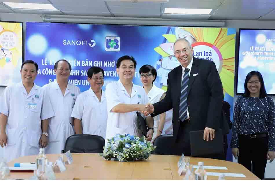 Hình ảnh Lễ ký kết hợp tác giữa Công ty Sanofi và Bệnh viện Ung Bướu TP. Hồ Chí Minh