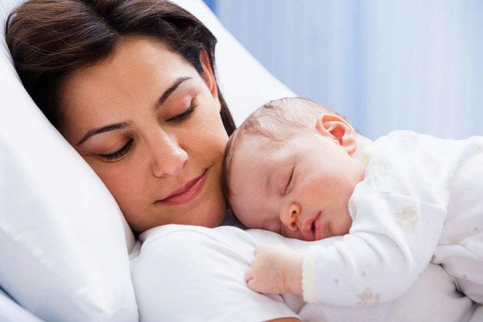 Những điều cần chú ý khi chăm sóc sản phụ sau sinh thường