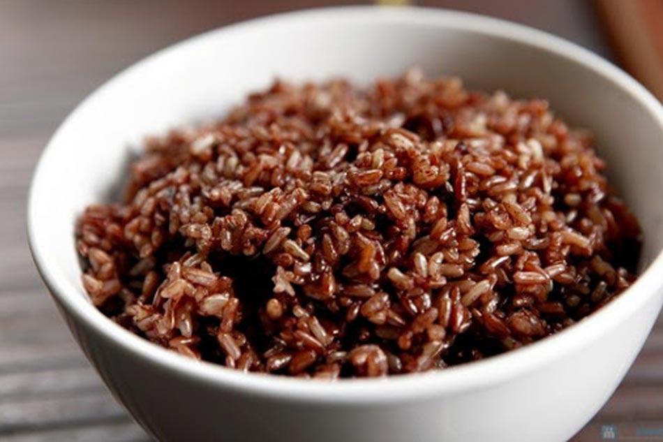 Mẹ ăn gạo lứt giúp trẻ sơ sinh dễ tiêu hóa